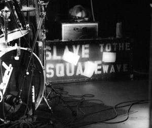 SLAVE-to-the-SQUAREwave